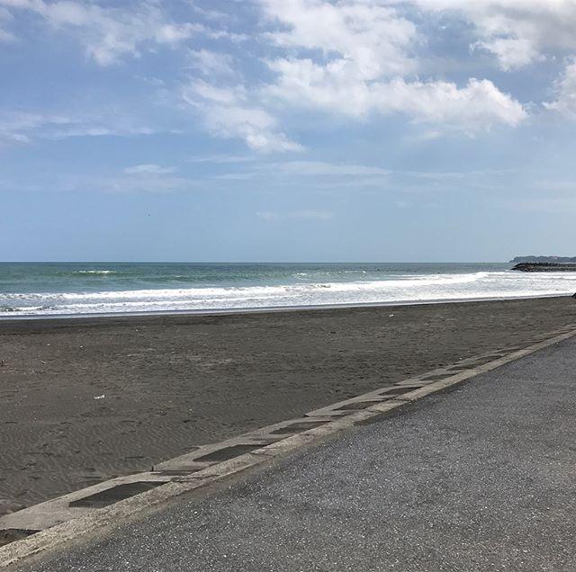 今年最後の海に 行ってきました。冷たかった。寒かった。痛かった。#海#一ノ宮海岸 #サーフィン#今年最後の海
