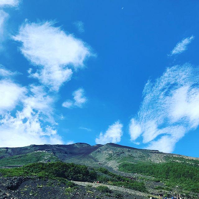 富士登山に挑戦!辛かった、薄かった、痛かった、寒かった、頑張った、楽しかった。・登頂した小4の娘も 同じ気持ちかな?