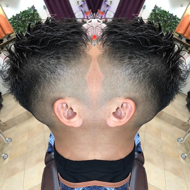 この夏barbarスタイルしませんか?..#フェードカット #ミラー #かっこいい髪型 #0.6ミリバリカン#barberstyle